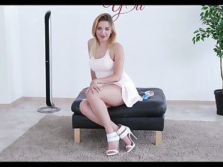 Slutty housewife with saggy big tits Jessica Spielberg is testing new sex toy