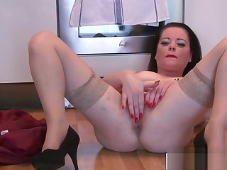 Adorable Milf Sarah Kelly Fucking Good Tender Step-son