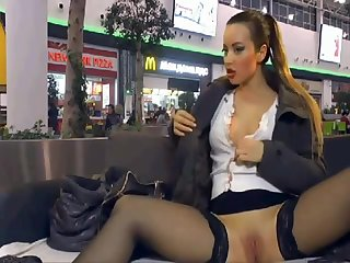 Camgirl shows in shopping centre