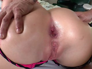 SA2 This Beautiful Babysitter Has Found A Caregiver For Her Hole. - porn babe