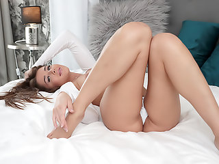 Sexy Roommate