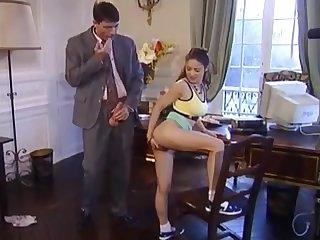 Behaartes Vintage Anal Girl bekommt Bürofick