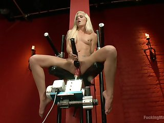 First time she uses the fucking machine so hard