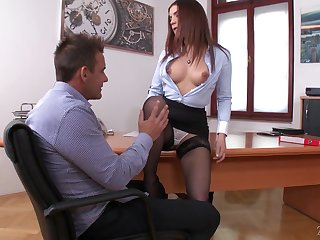 Secretary owes a boss a good head and that nympho loves to suck a dick