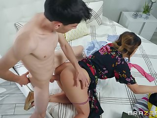 Mommy gets the young cock to finally ruin her pussy