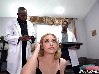Hardcore anal for the skinny blonde in crazy threesome