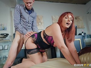 Redhead mom screwed in doggy Antique Road Blow Danny D, Beau Diamond