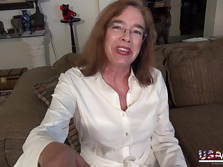Quick slideshow compilation featuring sexiest mature ladies from USA