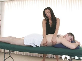 Slutty masseuse gets her cunt drilled hard